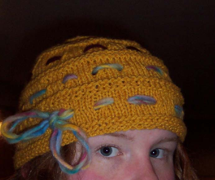 The Ginny Hat. Gold Fish Girl created a pattern for Ginny Weasley's Goblet of Fire hat. Find the published pattern on The Leaky Caldron. Please share and make Mondays fun, get our craft inspiration delivered to your inbox - CraftyLikeGranny.com #harrypottercrafts #knitting #knittingpattern