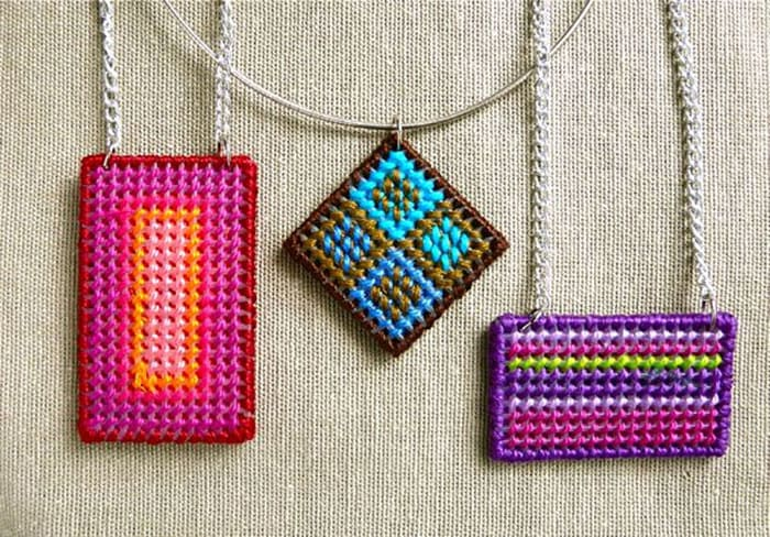 How To Make a Needlepoint Pendant. These are a fun craft to try. The stitching comes up a treat and is a wonderful idea to make a pendant. Follow the tutorial on Think Crafts. Please share. You will always look forward to Mondays, with our craft inspiration roundups -CraftyLikeGranny.com #craftsforteens #teencrafts #diy #crafts