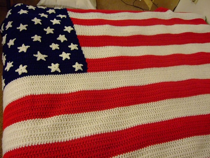American-Flag-Crocheted-Afghan