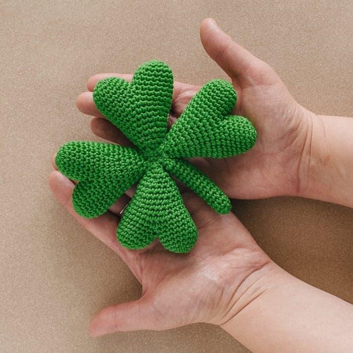 Four Leaf Clover Free Crochet Pattern by DMC
