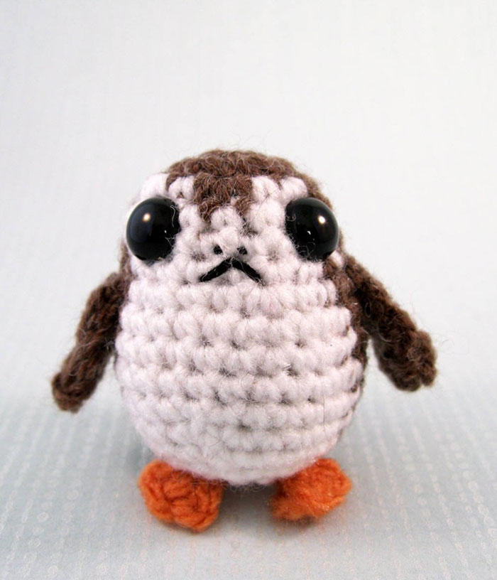 Porg-from-Star-Wars-Mini-Amigurumi-Pattern-by-Lucyravenscar