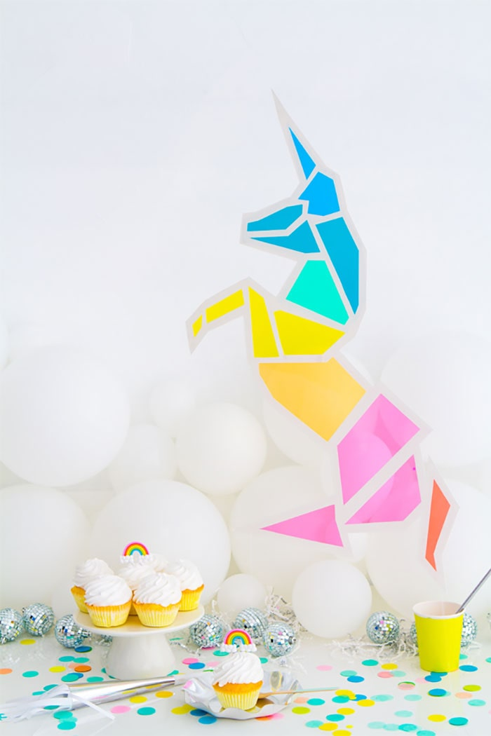 Stain-Glass-Unicorn-craft-by-Oh-Happy-Day