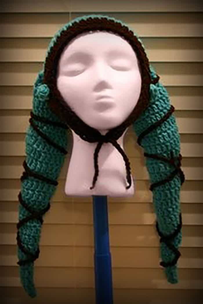 Twilek-Hat-Crochet-Pattern-by-Stitching-Up-A-Storm-Crochet-Blog