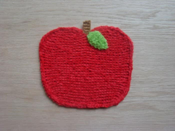 Apple Washcloth Free Pattern by Susan B. Anderson