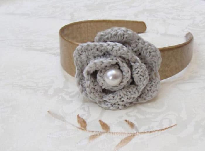 Crochet Rosette Flower by Red Ted Art