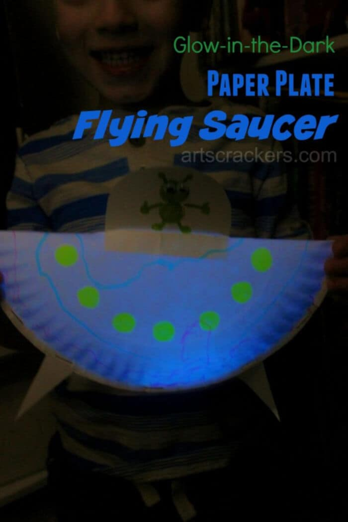 DIY Glow In The Dark Paper Plate Flying Saucer by Arts and Crackers