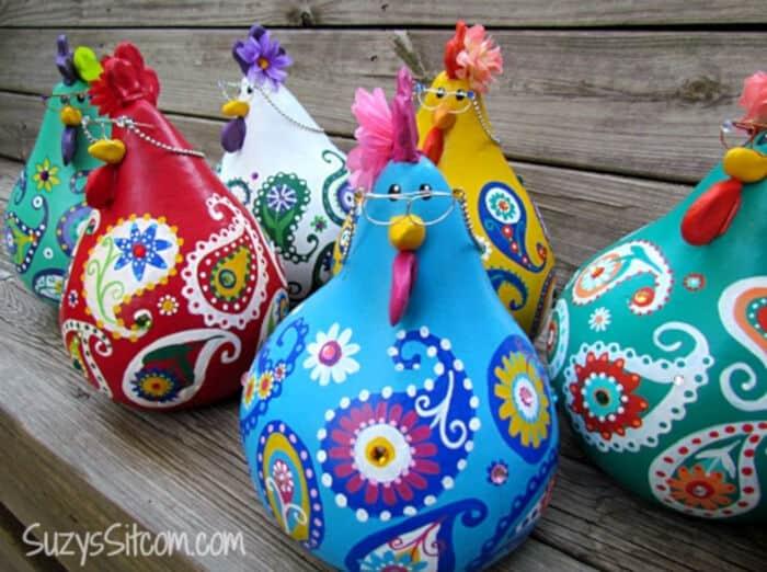 DIY Paisley Chickens by Suzys Artsy-Craftsy Sitcom