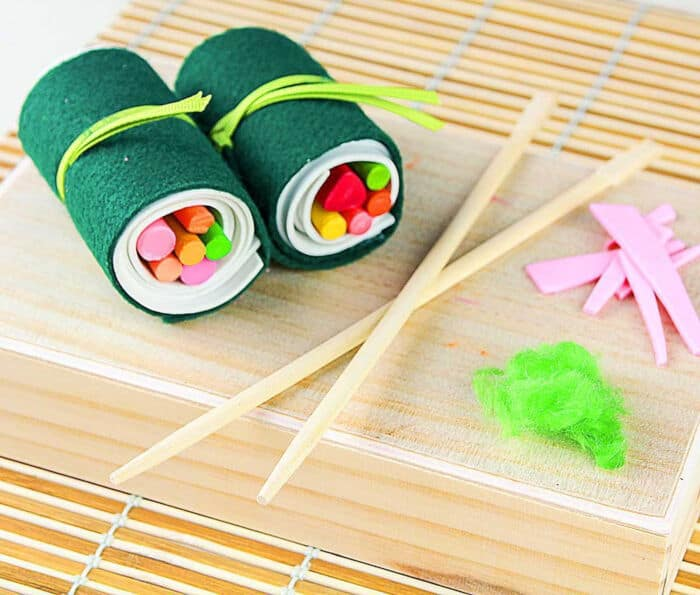 DIY Sushi Crayon Roll Up by Fiskars