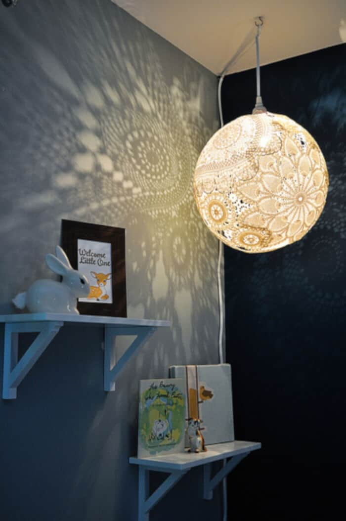 Doily Lamp Tutorial by EmmmyLizzzy