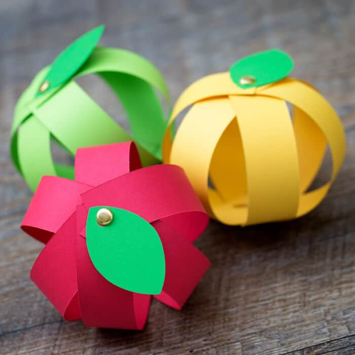 Easy Paper Apple Craft by Fireflies and Mud Pies