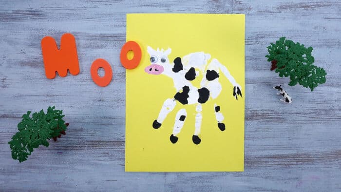 Handprint Cows by Super Simple