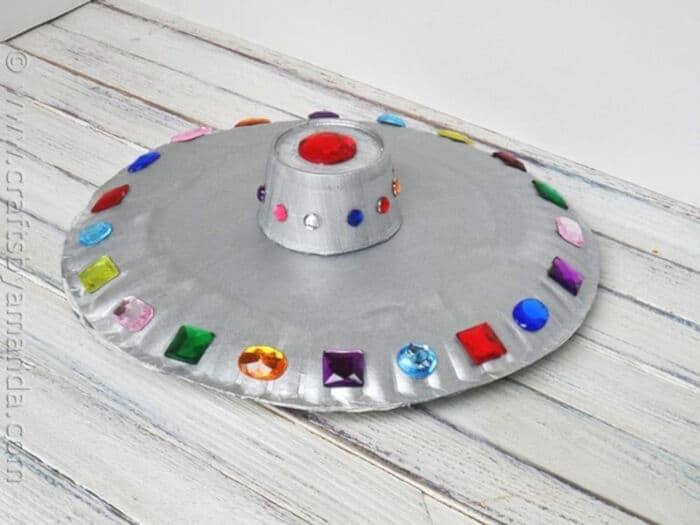 Paper Plate Flying Saucer by Crafts by Amanda