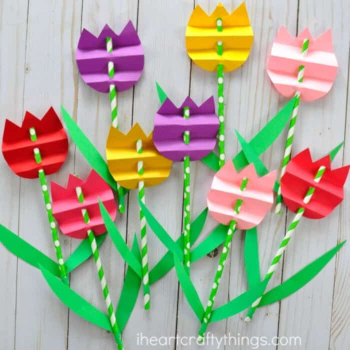 Pretty Paper Straw Tulip Craft by I Heart Crafty Things
