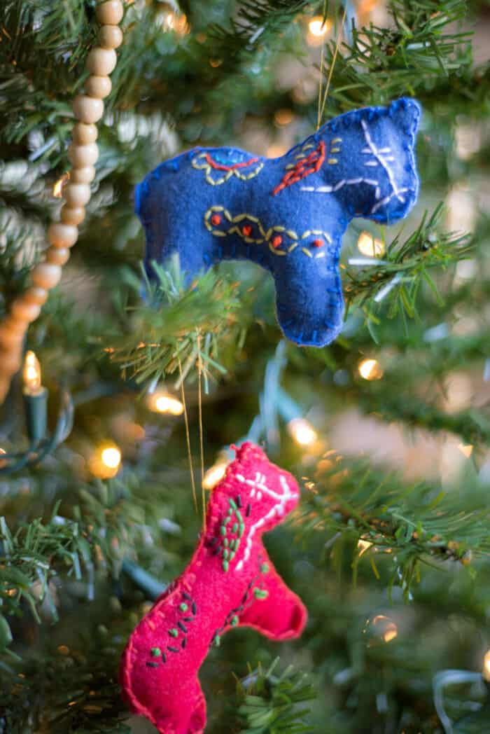 Stitched Dala Horse Christmas Ornaments by The Homesteady