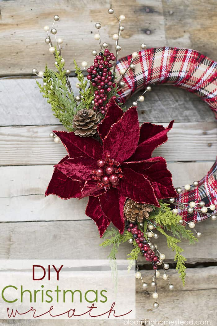 DIY Christmas Wreath by Lil Luna