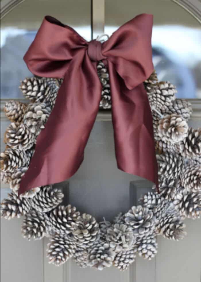 DIY Pinecone Wreath by Do It Yourself Divas