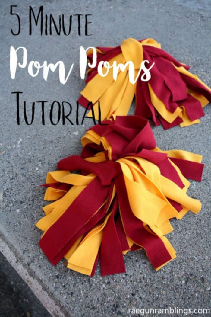 DIY Pom Poms by Todays Creative Life
