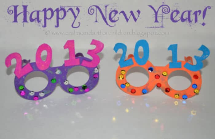 Kids New Years Glasses Craft and Drink Idea by Artsy Momma