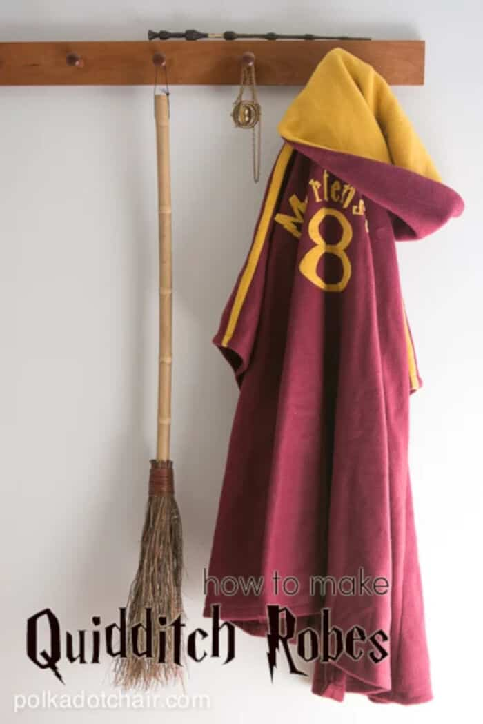 Make your Own Quidditch Robes by Polkadot Chair