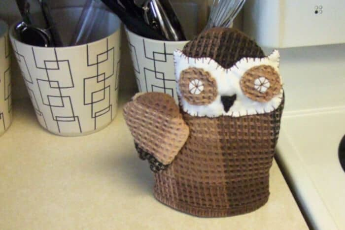 Owl Oven Mitt by Dollar Store Crafts