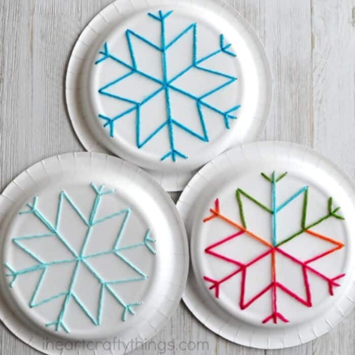 Paper Plate Snowflake Yarn Art by I Heart Crafty Things