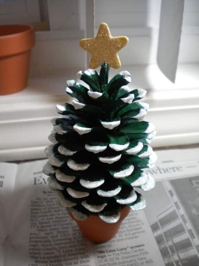 Pine Cone Christmas Tree by Crafters Delight