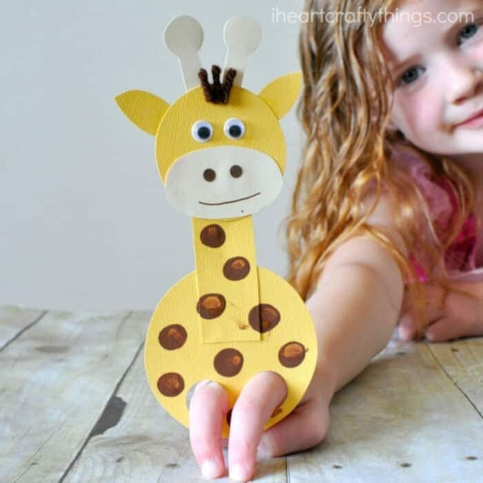 Adorable-Finger-Puppet-Giraffe-Craft-by-I-Heart-Crafty-Things