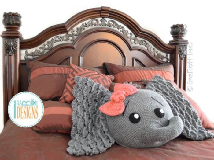 Crochet a Unicorn Pillow Pal Free Pattern by Craftdrawer Crafts