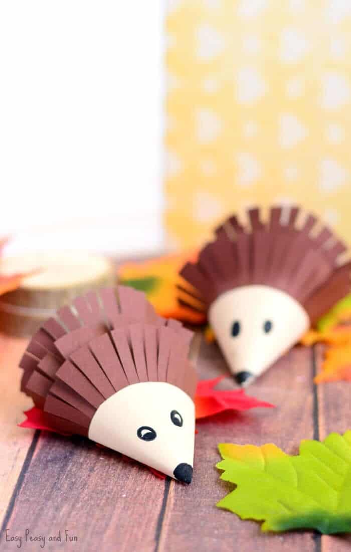 Cute-Hedgehog-Paper-Craft-by-Easy-Peasy-and-Fun
