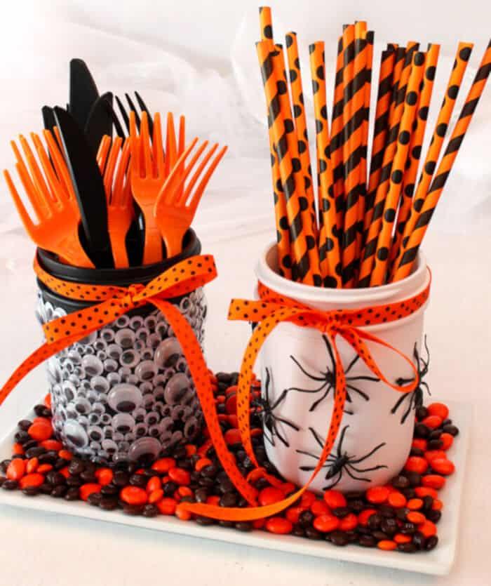 DIY Mason Jar Halloween Decorations by Meraki Lane