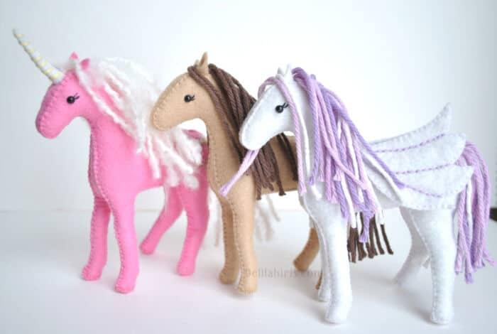 Felt Horse Pattern by Delilah Iris