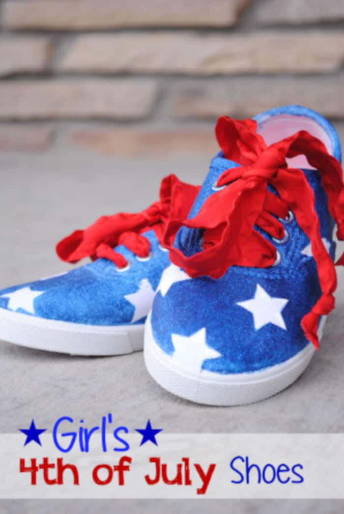 Girls 4th of July Shoes Tutorial by Deco Art