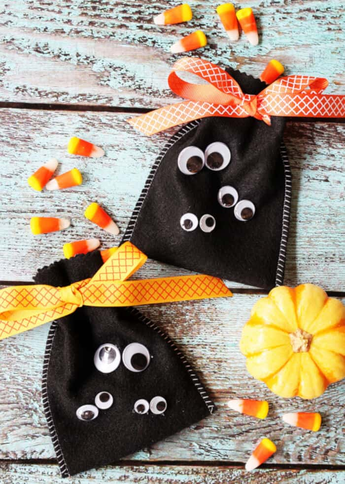 Googly Eye Halloween Treat Bags by Positively Splendid