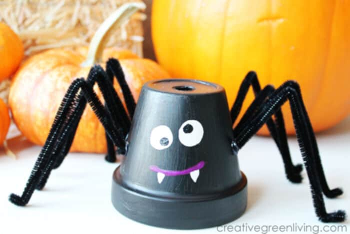 Make Friendly Spiders from Upcycled Flower Pots by Creative Living
