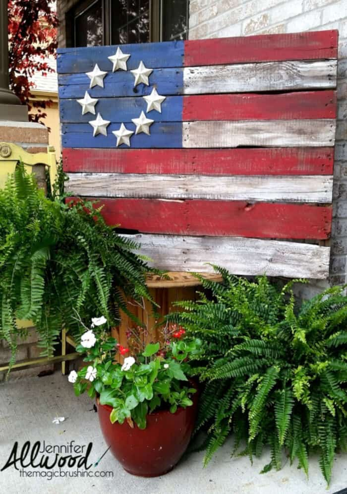Patriotic Pallet Flags by The Magic Brush