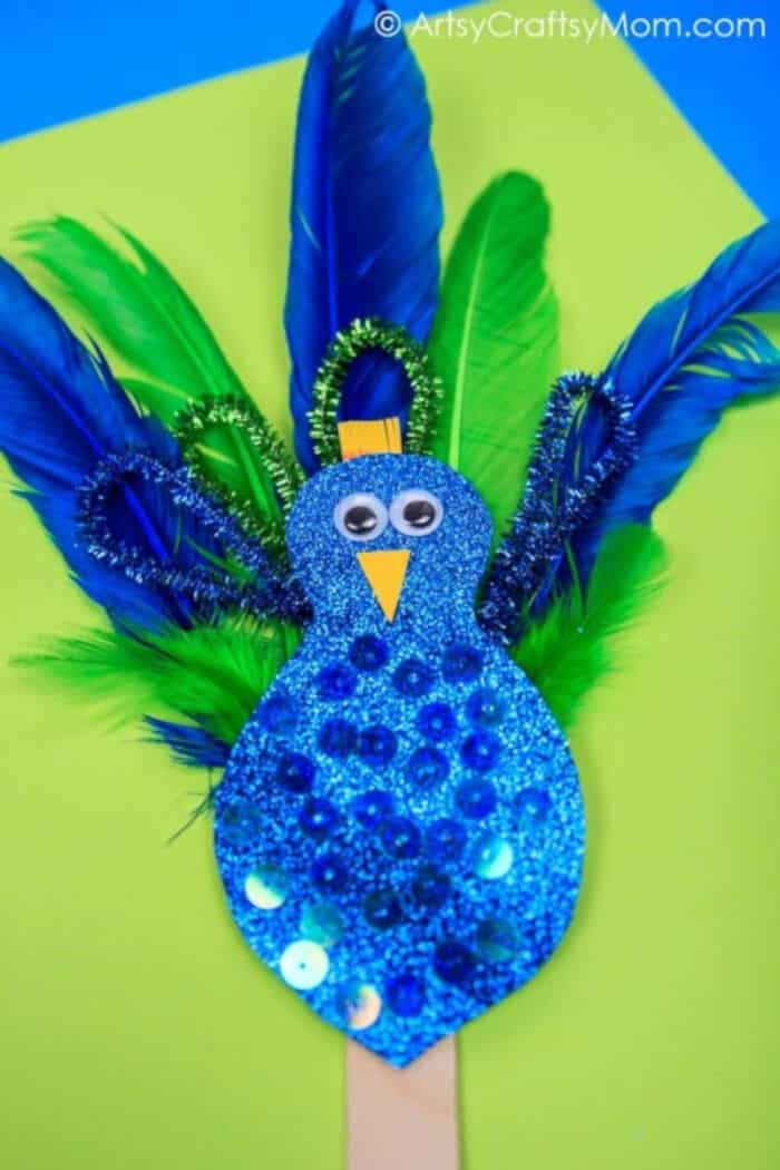 Pipecleaner-Feather-Peacock-Craft-by-Artsy-Craftsy-Mom
