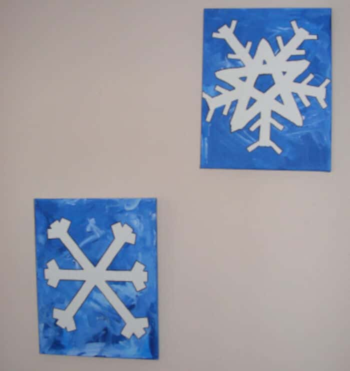 A-Preschool-Snowflake-Masterpiece-by-Ten-Kids-and-a-Dog