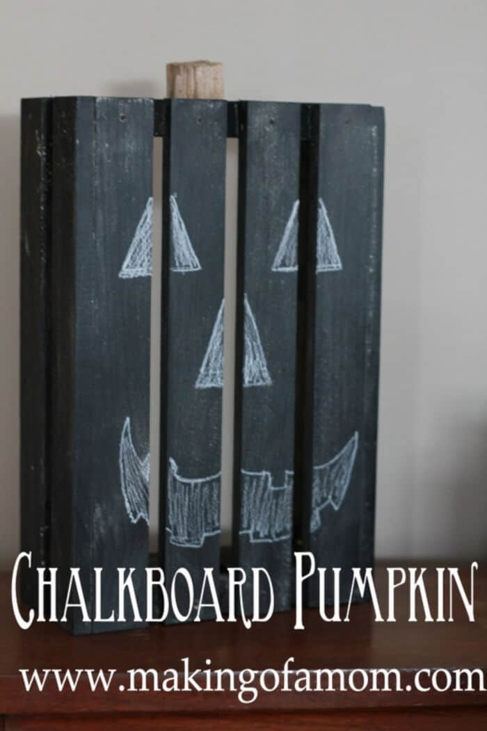 Chalkboard-Pumpkin-Craft-by-Making-of-a-Mom