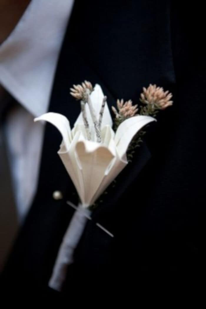 DIY-Paper-Origami-Lily-Vintage-Wedding-Corsages-by-Confetti-Daydreams