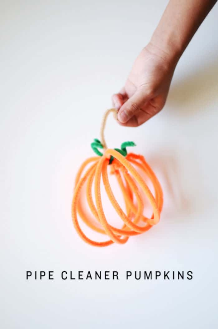 DIY-Pipe-Cleaner-Pumpkins-by-CAKIES