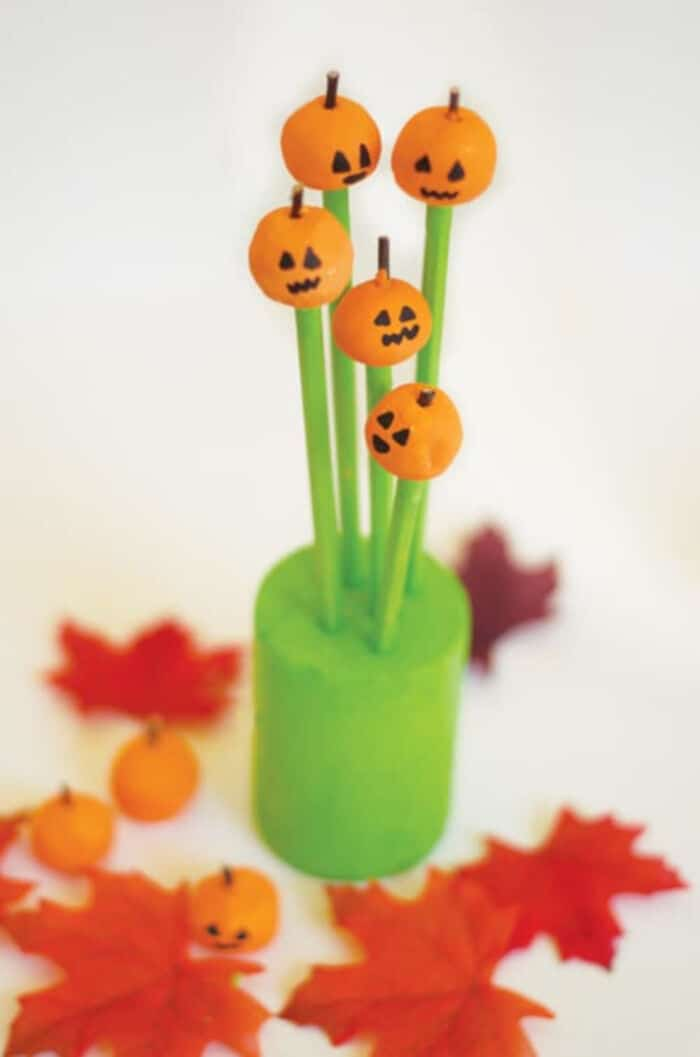 DIY-Pumpkin-Patch-Clay-Pencil-by-Hello-Wonderful