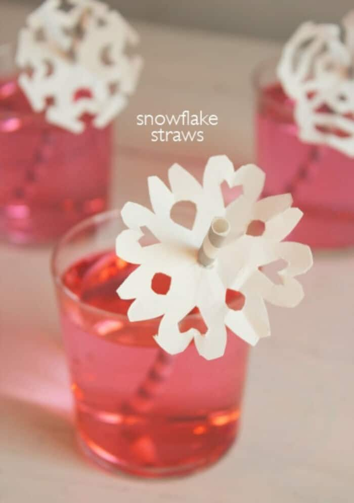 DIY-Snowflake-Straws-by-Willowday