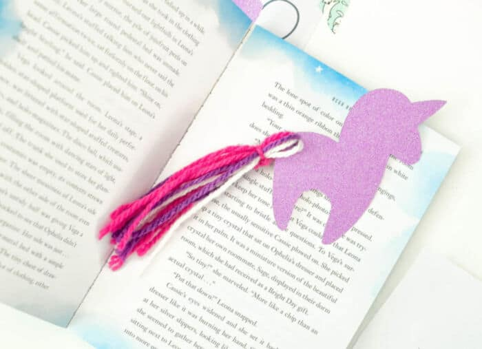 DIY-Unicorn-Bookmark-with-Free-Unicorn-Printable-by-Mommy-Musings