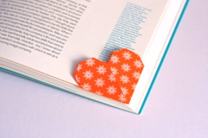 Heart-Shaped-Page-Marker-Origami-by-How-About-Orange