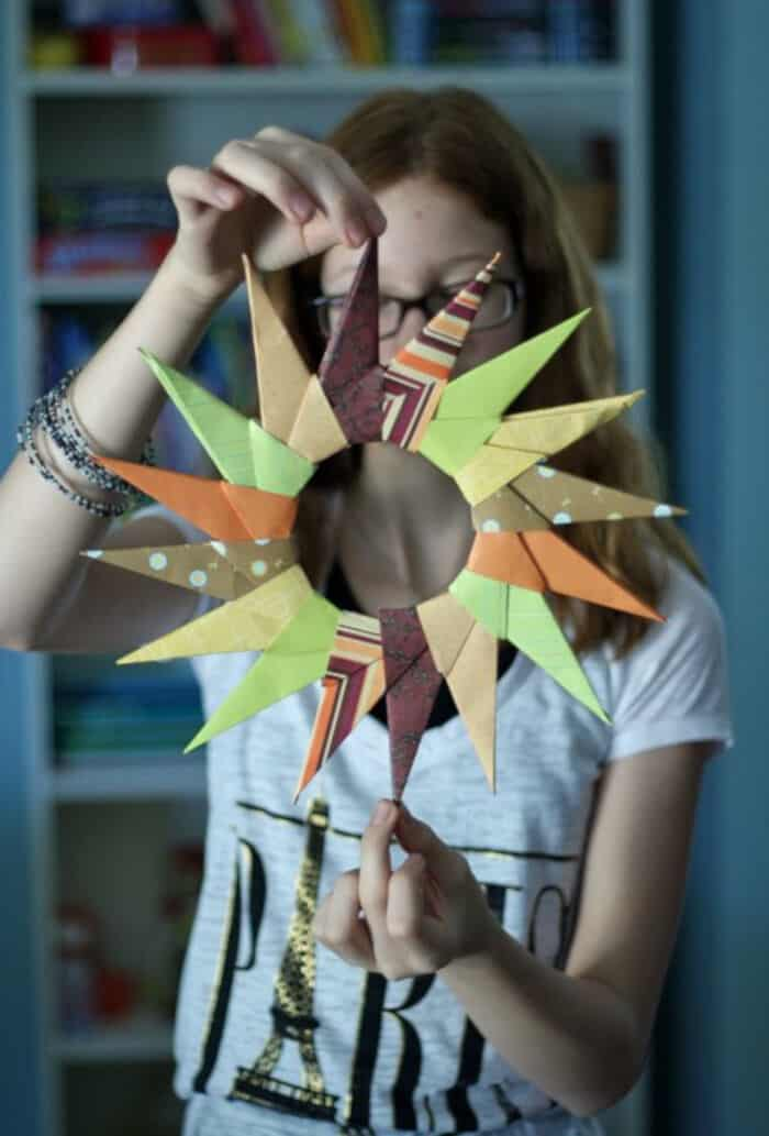Origami-Starburst-Wreath-by-Make-and-Takes