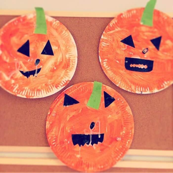 Paper-Plate-Pumpkins-by-Clares-Little-Tots