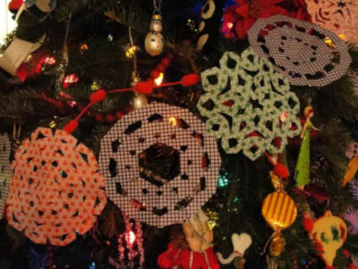 Paper-Snowflakes-by-Kitchen-Counter-Chronicles