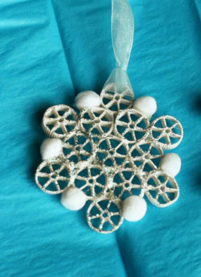 Pasta-Snowflake-Ornaments-by-Weelife