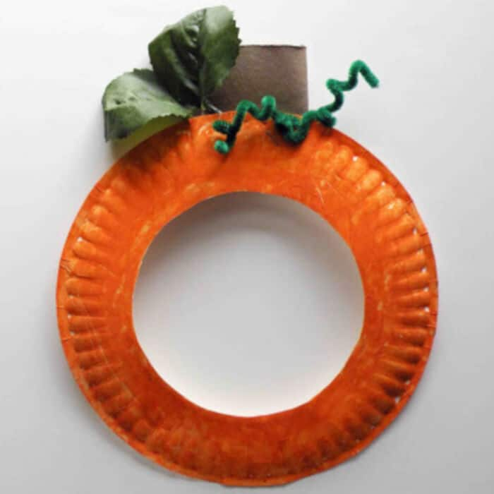Pumpkin-Paper-Plate-Craft-For-Kids-by-Be-Brave-Keep-Going