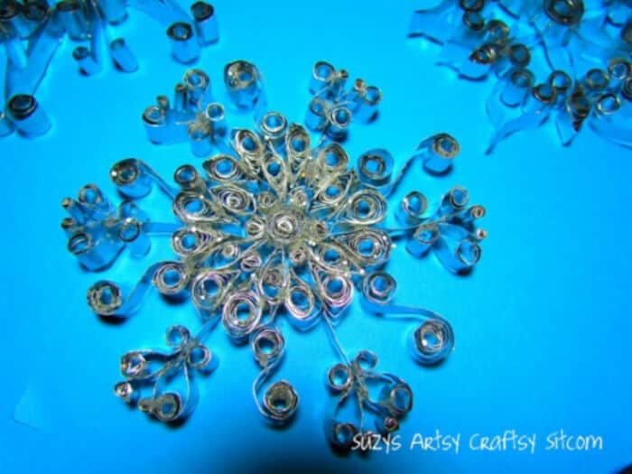 Quilled-Aluminum-Snowflakes-by-Suzys-Sitcom
